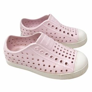 👗Native Slip On Light pink and white shoes C10